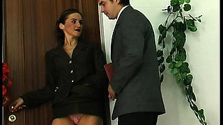 Brunette milf getting her cunt lick while smoking