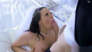 Cheating bride Simony Diamond loves anal - Brazzers
