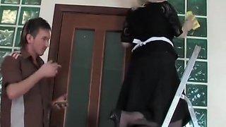 Guy fucked mature maid