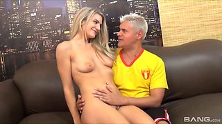 Blond with tatts Amanda Tate fucks her clit with vibrator during steamy pussy pounding