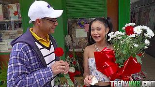 Jade Preesleyy in Dick Y Dinero