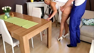 My Horny Girlfriend Gets Anal Fucked by Electrician