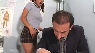 Teen gives a steaming blowjob