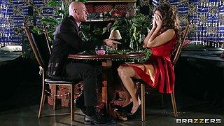 Yurizan Beltran turns a romantic date into a fuck fest