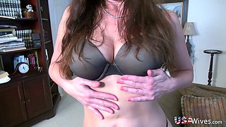 Aged American wife Rose swallows small penis in hot POV homemade video