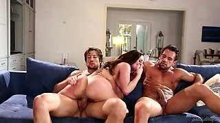 Spoiled milf with big boobies Kendra Lust knows how to avoid eviction
