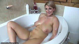 Demi scott chill bath