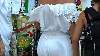 Hot tourist dress upskirt