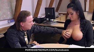 Bums buero deutsche sekretarin fickt mit ihrem boss