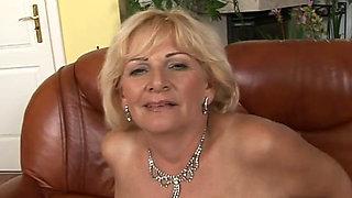 chubby mature queen Sally G BBW