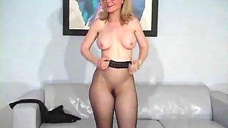 Nina pantyhose 1