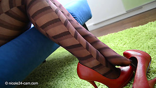 Nicole The Nylon Feet Queen 1091 364