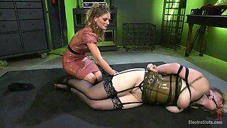 mistress mona gives slave hadley's pussy a shock