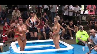 Amateur Oil Wrestling