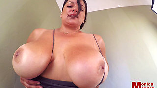 Brunette plays with her big btits