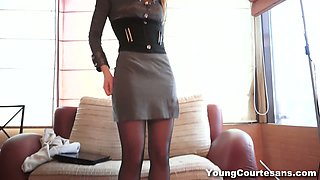 Naughty chick wearing sexy stockings gets her slit fucked