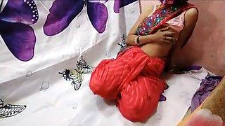fucking horny bhabhi in saree creampie on pussy
