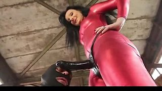 Slave pegging with a huge strapon