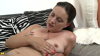 Mature sexy mother gets taboo sex from son
