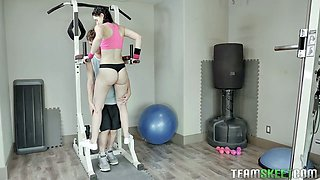 Fitness chick Violet Rain gets her charming pussy fucked at the gym