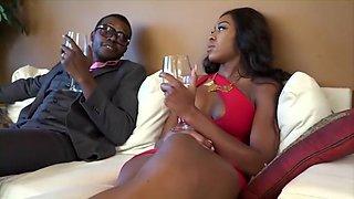 naughty-hotties.net - Perfect body housewife