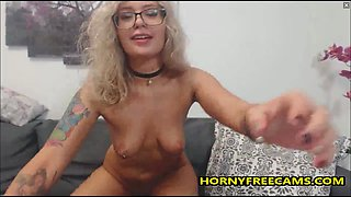 Cute Nerdy Blonde Teen Has Perfect Big Bubble Butt