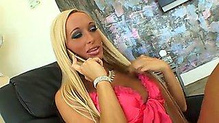 Lichelle Marie call boy