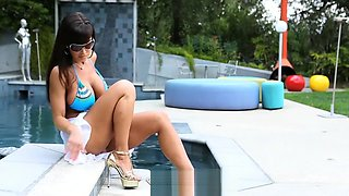 Lisa Ann gets fucked at the pool