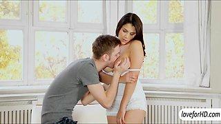 Sizzlin hot babe Valentina Nappi jizzed