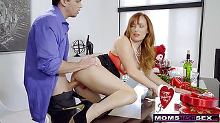 Horny StepSon Fucks Mom Better Then Dad For Valentines