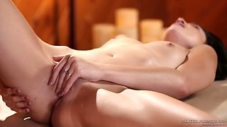 Hot like fire masseuse Carter Cruise stimulates clit and eats wet pussy