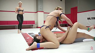 Tattooed winner wearing strapon Cheyenne Jewel fucks a rival right in the ring