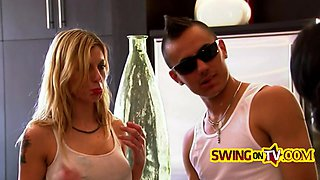 Swingers cant wait to fuck each other