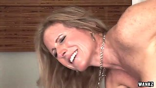 Cougar Jade Jamison Loves Her Warm Facial