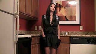 Indian Babe Shanana Nude Photo Shoot In Kitchen
