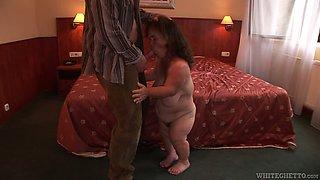 Midget mom